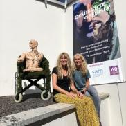 Foto: Meike Helberger und Claudia Messer, die Initiatorinnen und Kuratorinnen der Ausstellung. © IFB-Stiftung