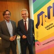 Foto: OB Feldmann mit Marc Grünbaum (Stadt Frankfurt/Rafael Herlich)