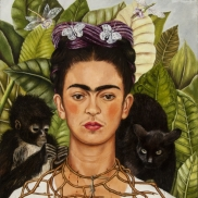 Foto: Frida Kahlo, Selbstbildnis mit Dornenhalsband, 1940, Öl auf Leinwand, Collection of Harry Ransom Center, The University of Texas at Austin, Nickolas Muray Collection of Modern Mexican Art © Banco de México Diego Rivera Frida Kahlo Museums Trust/VG Bild-Ku