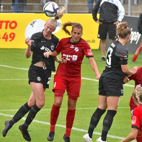 Eintracht Frankfurt - SC Sand 2:1