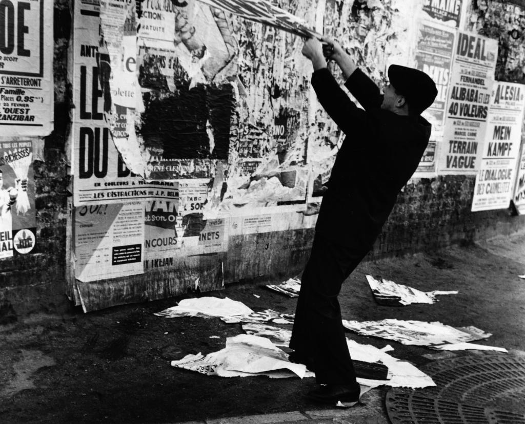 journal frankfurt nachrichten - die plakatabrei u00dfer von paris