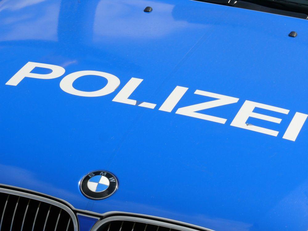 Zwei Männer schlagen 20-Jährigen mit Glasdildo krankenhausreif - schwer verletzt