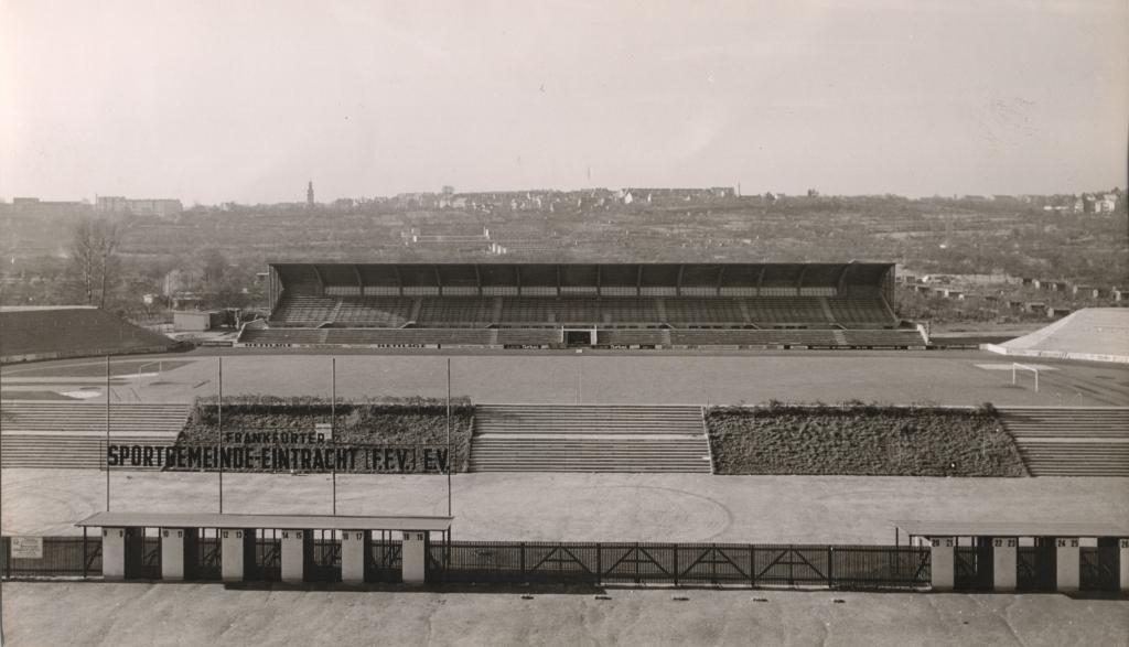 Foto: Altes Riederwald-Stadion © Eintracht Frankfurt Museum