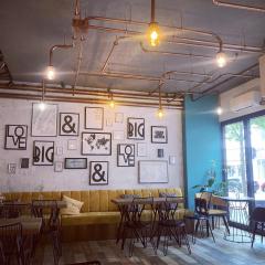 Ezim Café