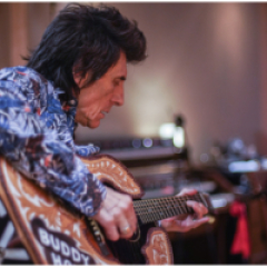 Ronnie Wood: Somebody Up There Likes Me (OmU)